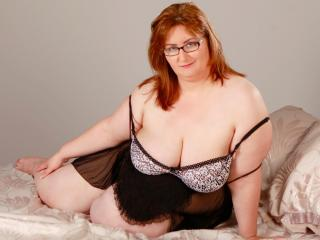 Picture of the sexy profile of HornyWetMadam, for a very hot webcam live show !