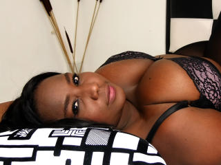 Picture of the sexy profile of SweetBlackOne, for a very hot webcam live show !