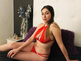Webcam model AllisonLatina from XLoveCam