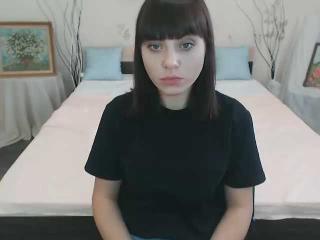 Webcam model AnnyShine from XLoveCam