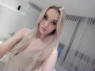 ArianaHottyX webcam