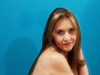 Webcam model AylaSexySweetXX from XLoveCam
