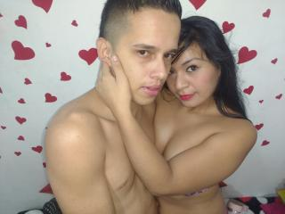BestSquirtCouple live strip show