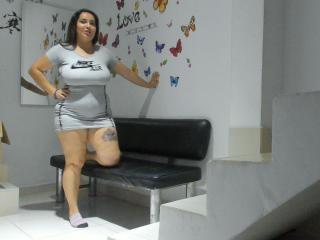 Webcam model BustyHotCarla from XLoveCam