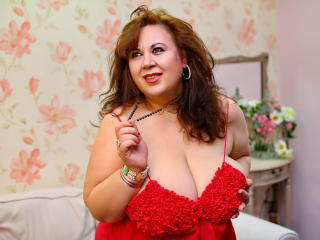 Webcam model BustyViolet from XLoveCam