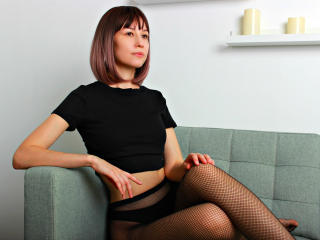 Webcam model CarolinasDream from XLoveCam