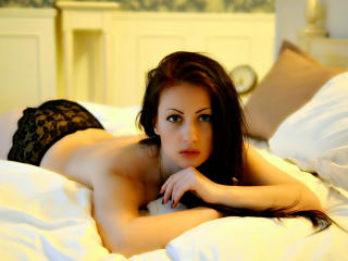 Webcam model ClassyVeronika from XLoveCam