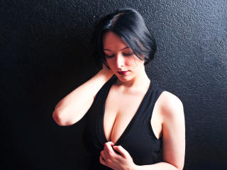 Webcam model ElizabethJoy from XLoveCam