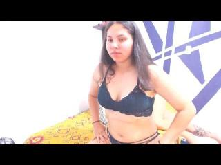 Webcam model ErikaandXiomy from XLoveCam