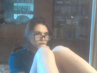 Webcam model GlossyPage from XLoveCam