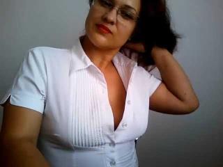 Webcam model JessicaDobaz from XLoveCam
