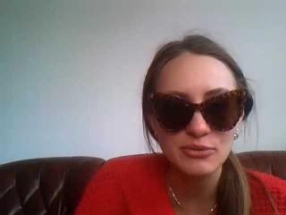 Webcam model Kolemeya from XLoveCam