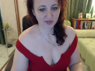 Webcam model LadyJulya from XLoveCam