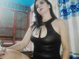 Webcam model LetishaHott69 from XLoveCam