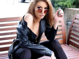 LeylaLoves: Live Cam Show
