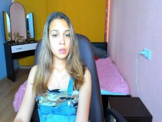 Webcam model LinaSunrise from XLoveCam