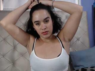 Webcam model LustySamantha from XLoveCam