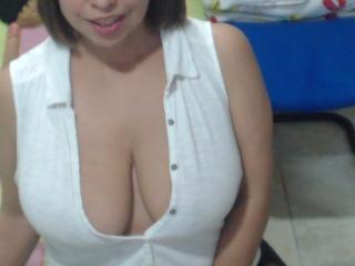Webcam model Marria from XLoveCam