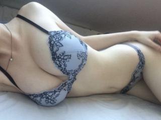 Webcam model MaryKresp from XLoveCam