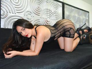 Webcam model MelissaThompson from XLoveCam