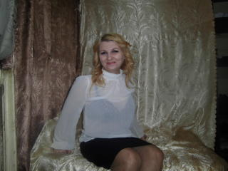 Webcam model MillanaLux from XLoveCam