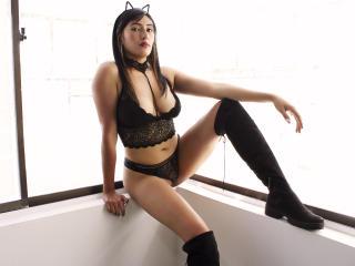 Webcam model OrianaFord from XLoveCam
