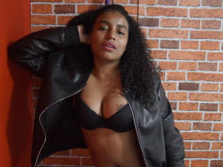 SamiraSexxy show pleasure