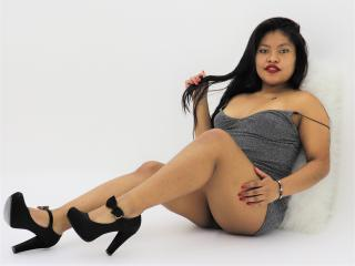Webcam model TashaLynn from XLoveCam