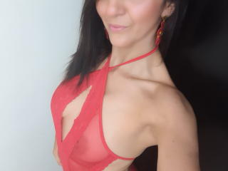 Webcam model ValleryHott from XLoveCam