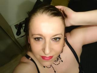 Zazabigboobs webcam