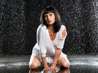 EvelinaX - Live cam xXx with this charcoal hair Sexy mother