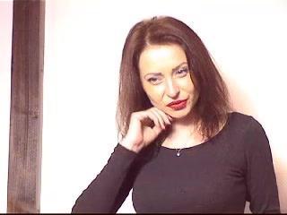 Webcam model ClumsyK from XLoveCam
