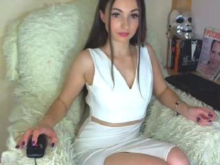 Webcam model Karamely from XLoveCam