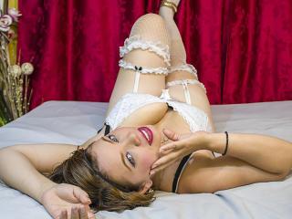 Webcam model VivianPorto from XLoveCam