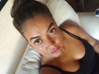 Webcam model LindaMaria from XLoveCam