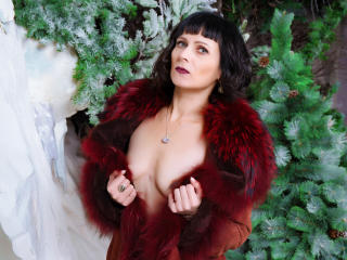 EvelinaX - Chat nude with a White Mature