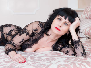 EvelinaX - Webcam porn with a standard body Sexy mother