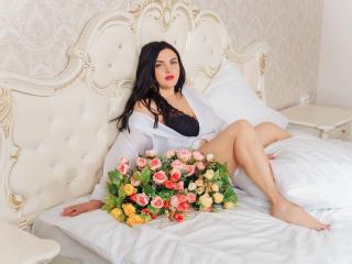Webcam model AnnaCarolll from XLoveCam